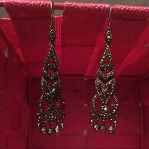 Jewelry - Gunmetal colored rhinestone earrings cute